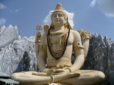 Йогасана - Статуя Шивы в Бангалоре