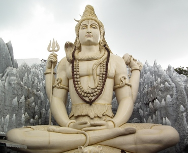Йогасана - India Shiva statue in Bangalore